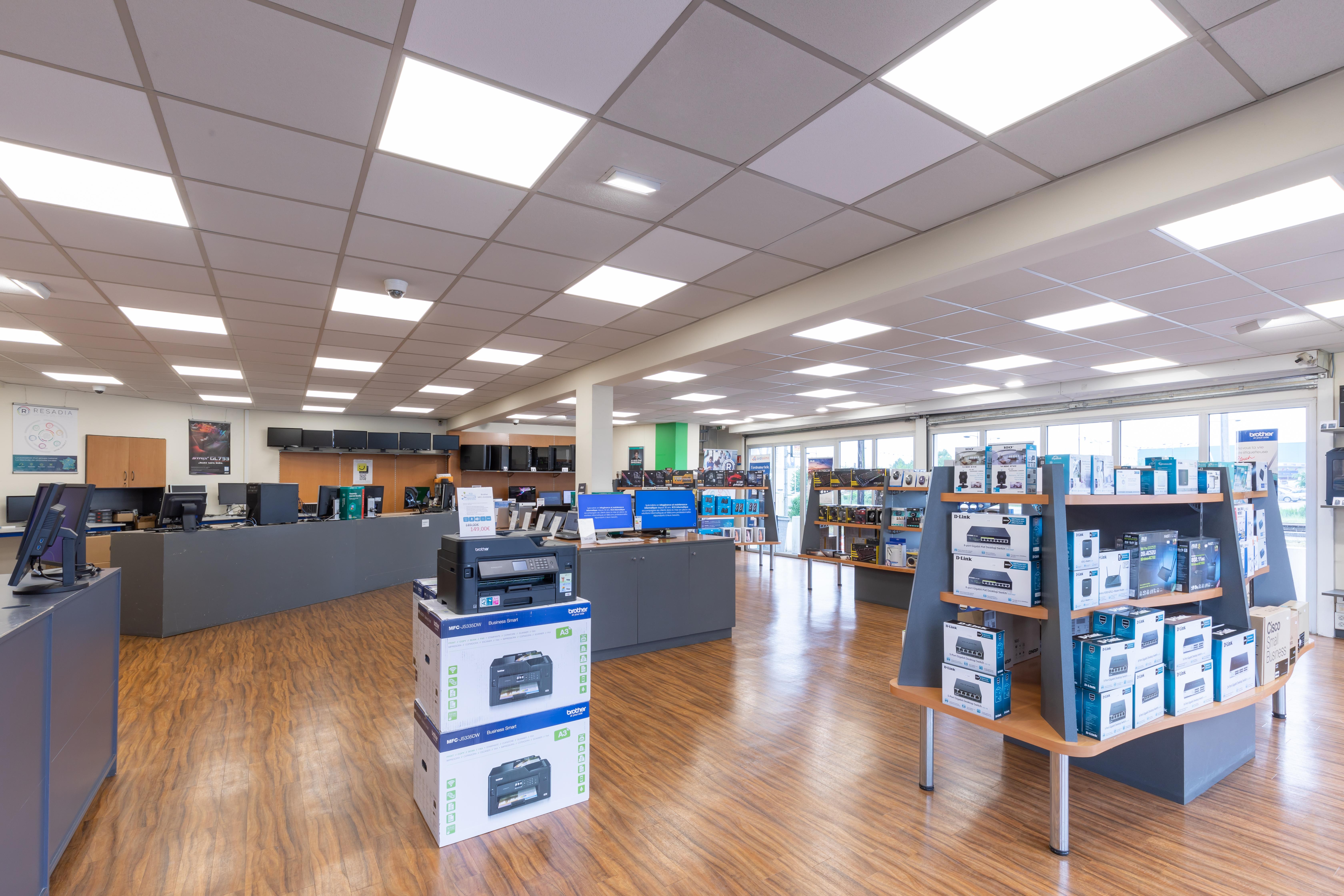 Boutique Et Depannage Informatique A Saint Quentin En Yvelines Sur La Ville De Coignieres 78 Magasin