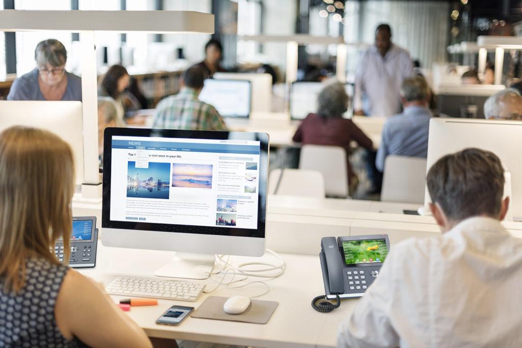 lien data internet haut débit et fibre optique professionnelle