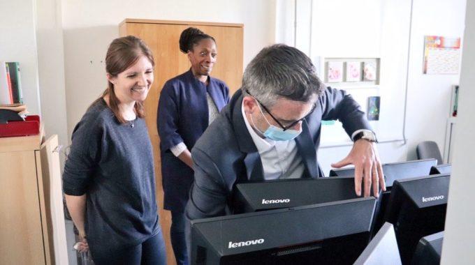 Don D'ordinateurs à L'Association La Vie Au Grand Air